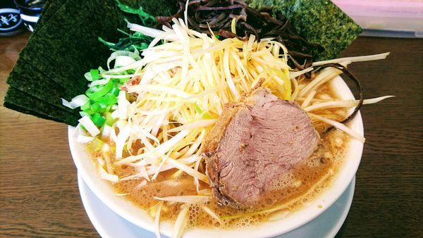 「ネギラーメン(麺硬め・味濃いめ・油多め)+海苔・キクラゲ」@うまいヨ ゆうちゃんラーメンの写真