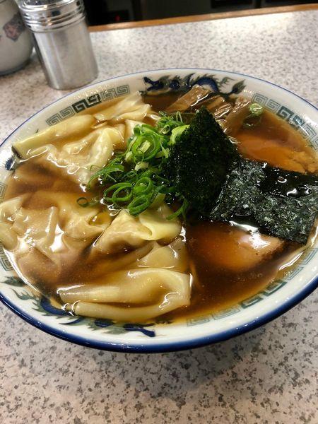 「醤油ワンタン麺 ¥950」@支那そばや 鶴ヶ峰店の写真