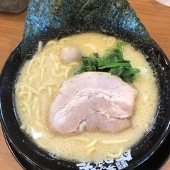 横浜家系ラーメン 町田商店 豊橋店の写真