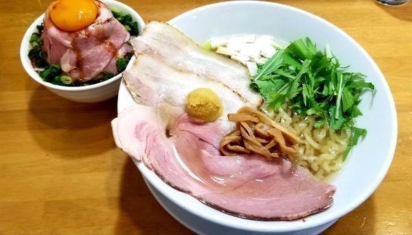 「虜柚子中華そば(柚子)大盛+鬼盛り肩ロース丼」@自家製中華そば 麺の虜の写真