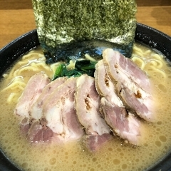 横浜ラーメン 弐七家 弥生台店の写真