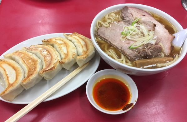 「チャーシューメン+餃子(5個)」@一品香 城東店の写真