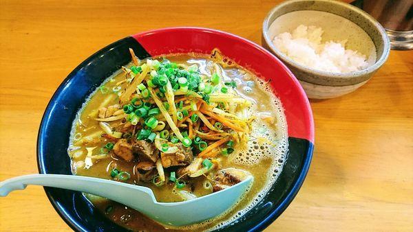 「【数量限定】鶏白湯 スパイシーカレー麺+小ライス(サービス)」@麺場 鶏源 TORIGEN 黄金町店の写真