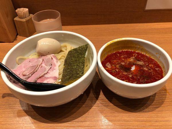 「辛煮卵つけ麺」@煮干中華そば 鈴蘭 新宿店の写真