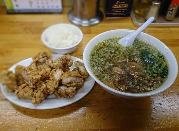 「パーコーメン(アブラ少なめ、パーコー別皿)+ライス小」@珉珉の写真