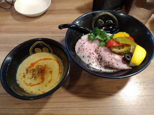 「夏季限定 濃厚イエローカレーつけ麺」@琉球島豚 麺屋なりよしの写真