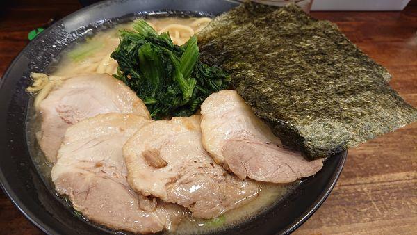 「チャーシュー麺(大盛り)」@横浜家系ラーメン 武骨家 本八幡店の写真