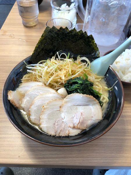 「ネギチャーシュー麺大盛り 海苔増し 濃い目 多め」@横浜家系ラーメン 壱角家 裾野店の写真
