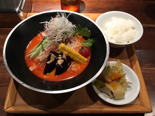 「冷やし担々麺+サービスライス」@新潟 三宝亭東京ラボ 中目黒店の写真