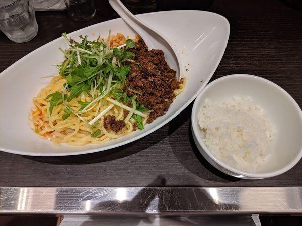 「つゆなし担々麺」@四川担担麺 阿吽 キッテグランシェ店の写真