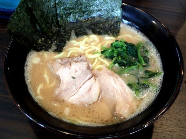「ラーメン(うす味、脂少な目、麺硬め)」@横浜らーめん 寿三家の写真