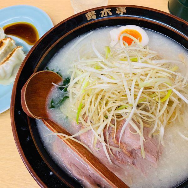 「定番のネギ塩チャーシュー中盛と餃子」@ラーメン青木亭 越谷店の写真