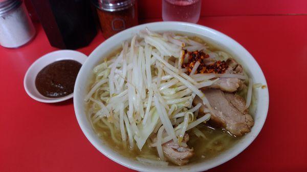 「小ラー油カラメ+生姜味噌」@ラーメン二郎 千住大橋駅前店の写真