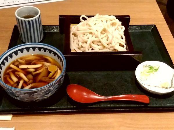 「きのこ四種のつけ汁うどん(並盛)950円」@峠の釜めし本舗 おぎのや 群馬の台所の写真