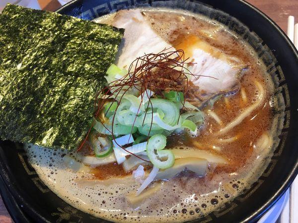 「醤油煮干中華そば」@東京煮干中華そば 三三㐂 大森の写真
