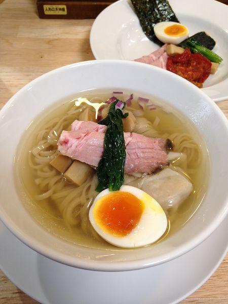 「鶏と魚の塩そば850円 トッピングアラカルト350円」@ガチ麺道場の写真