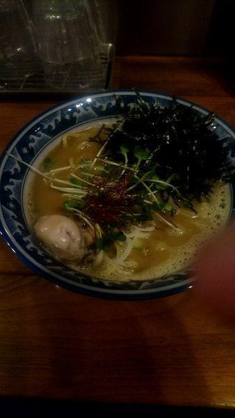 「牡蠣の拉麺 900円」@麺や佐市の写真