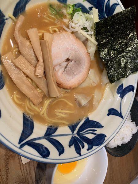 「らーめん780円+わんたん200円」@麺屋ぬかじの写真
