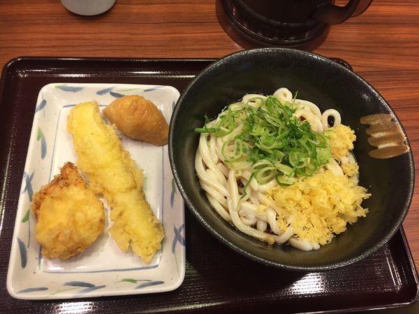 「ぶっかけ冷たいの1.5玉¥350+etc」@讃岐製麺 麦まる 浜松町貿易センタービル店の写真