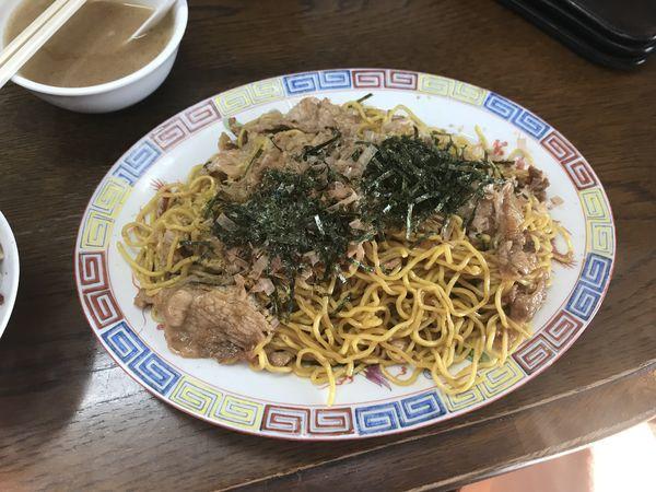 「日伸焼きそば【日本式伸二炒麺】」@人生餃子の写真