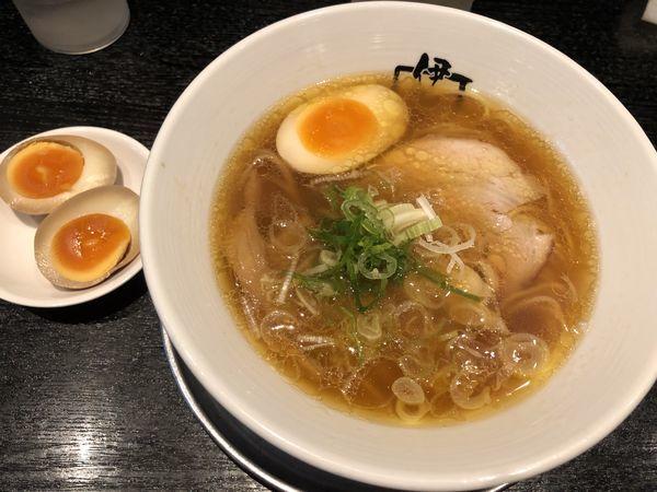 「韋駄天ラーメン+玉子」@麺行使 伊駄天 静岡店の写真