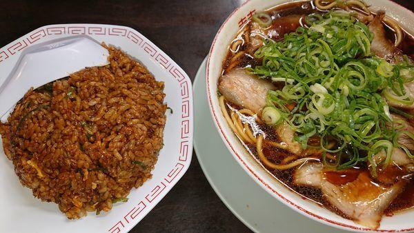 「中華そば、チャーハンセット」@新福菜館 KiKi京橋店の写真