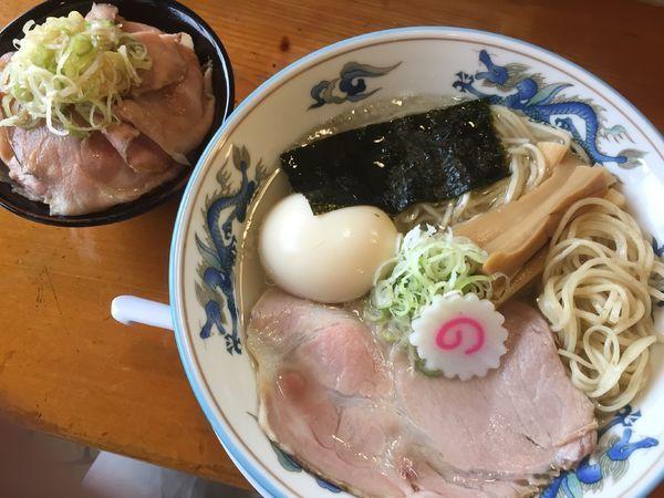 「塩味玉らーめん(880円)+肉めし(350円)」@さんのじの写真