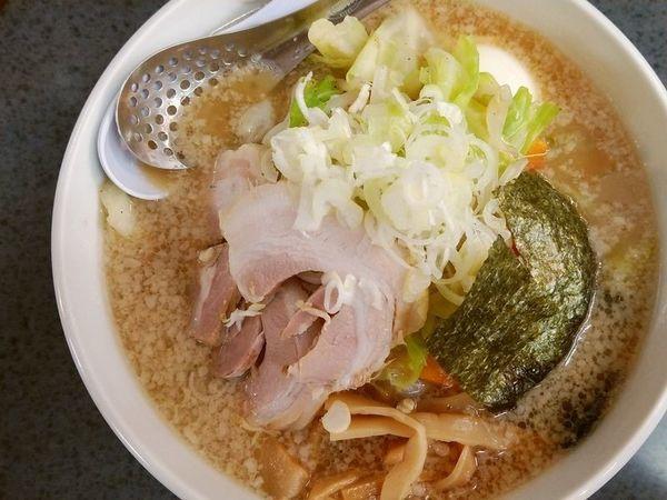 「ハッスル野菜ラーメン+味玉」@ハッスルラーメンホンマ 亀戸本店の写真