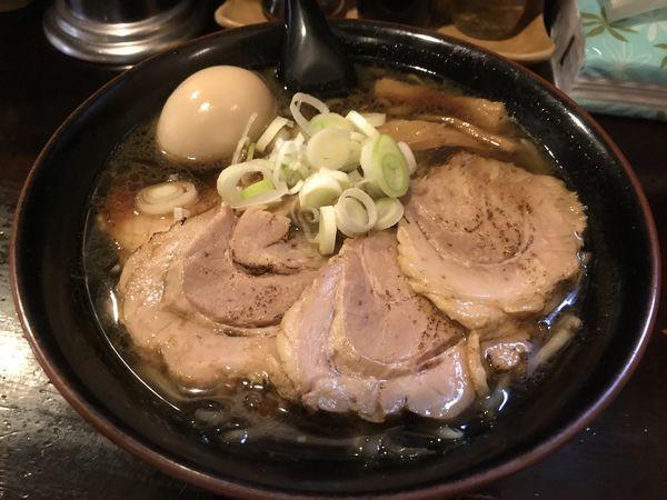 「焦がし醤油チャーシューメン・味玉」@麺屋 和光の写真