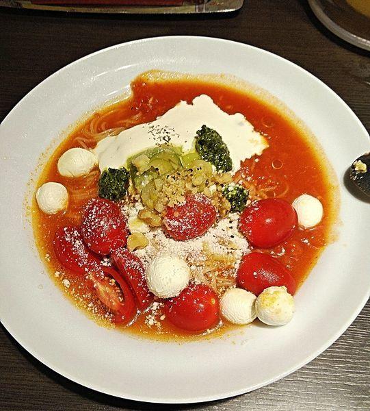 「クリームチーズのフルーティトマト冷麺 980円」@太陽のトマト麺 錦糸町本店の写真