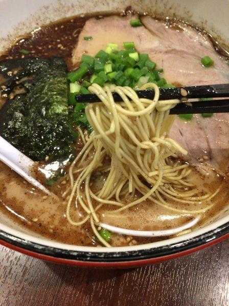 「黒ラーメン 730円」@博多ラーメン 長浜や 中村橋店の写真