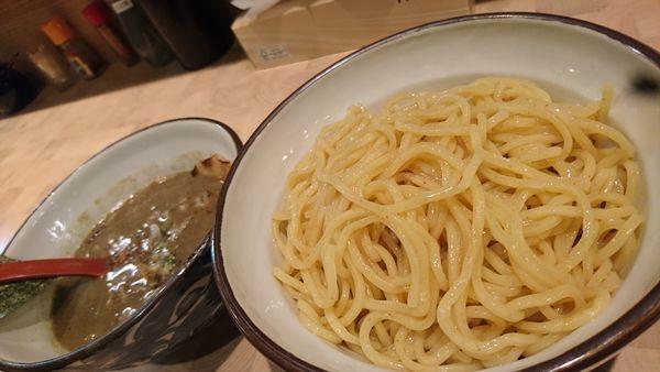 「つけ麺大盛、無料ライス&キムチ」@にぼしらーめん88の写真