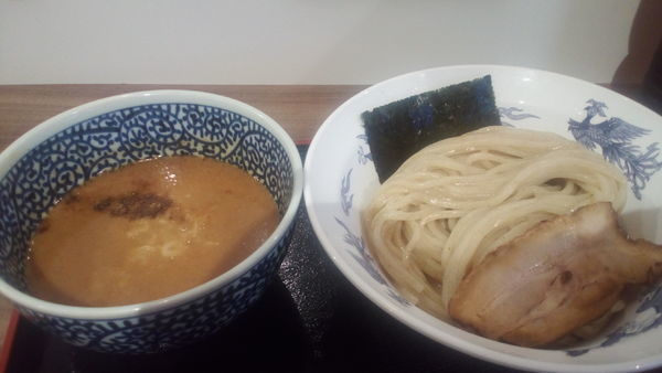 「濃厚魚介つけ麺(830円)+中盛(100円)」@豚骨一燈 イトーヨーカドー船橋店の写真