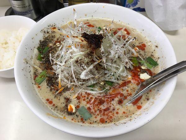 「冷やし担々麺 + サービスライス」@ビンギリの写真