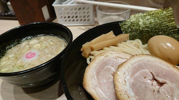 「特製背脂醤油つけ麺」@頑者製麺所 エキア成増店の写真