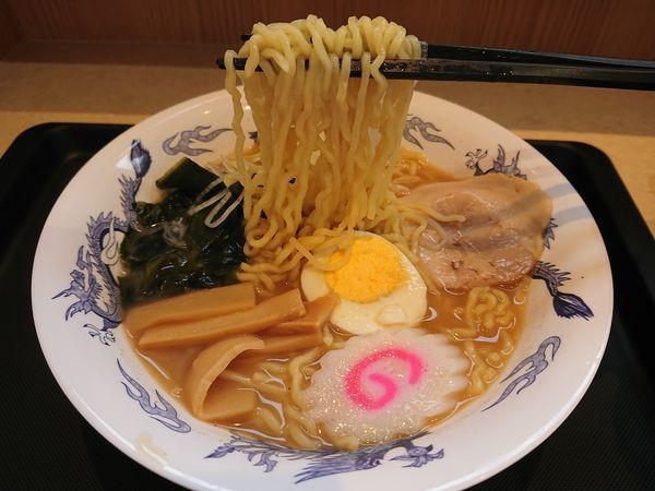 「煮干しラーメン450円+もりそば300円」@名代 富士そば 志木店の写真