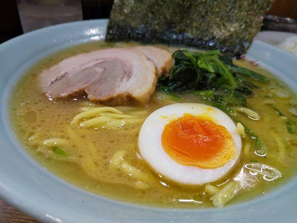 「#チャーシューめん #麺硬め #890円 #半ライス #タイムサ」@いっぱち家の写真