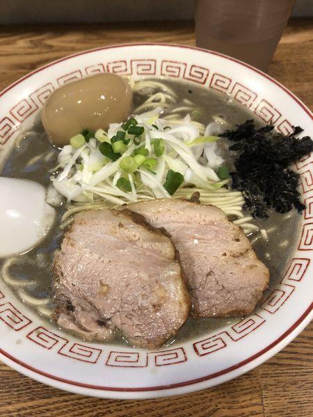 「極濃厚煮干そば(中盛)+味玉¥950」@煮干中華そば専門 煮干丸の写真