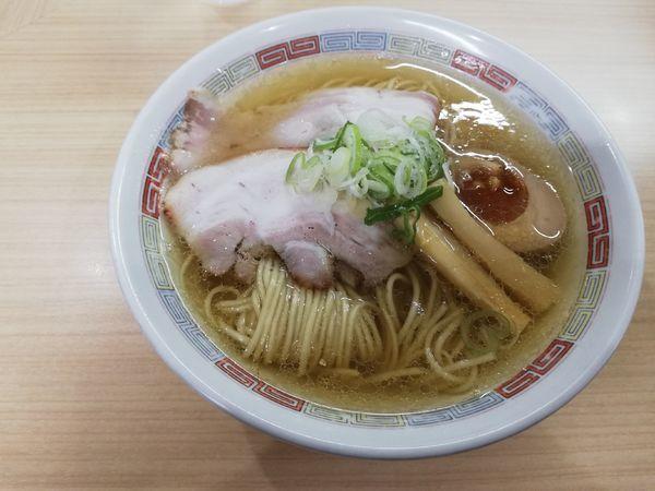 「塩らーめん」@煮干鰮らーめん 圓 名古屋大須店の写真