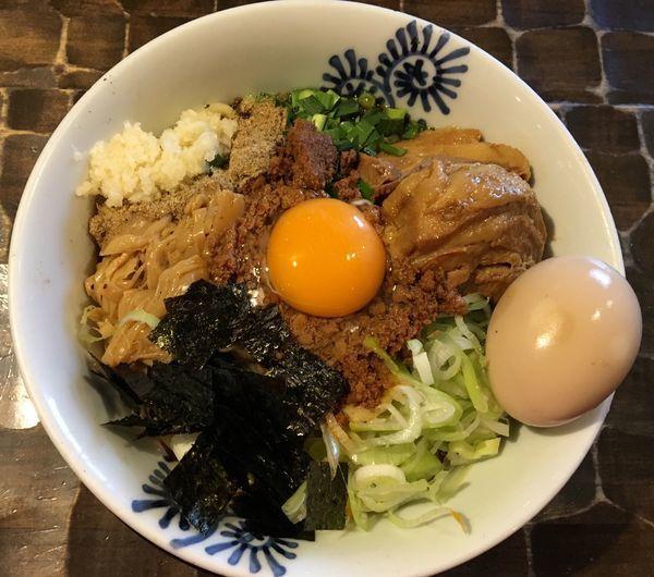 「トロ豚台湾まぜそば 味玉」@特級鶏蕎麦 龍介の写真