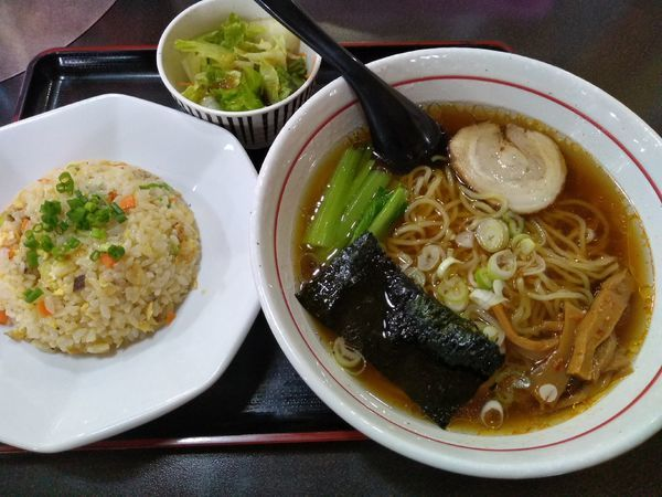 「チャーハン定食 (しょうゆラーメン) 880円」@手もみラーメン もりもり亭の写真
