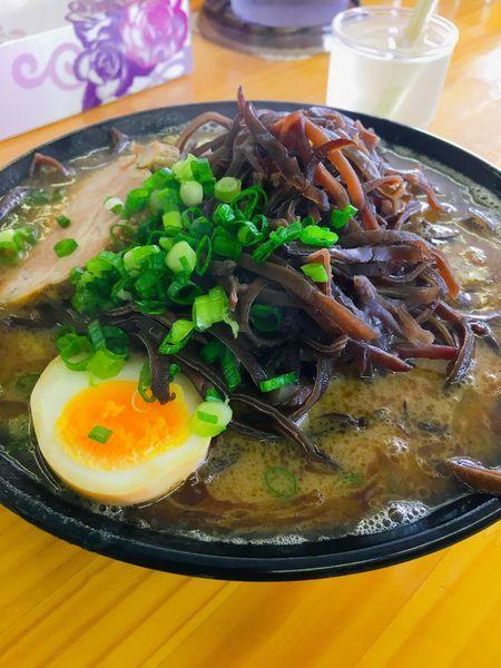 「魚粉豚骨ラーメン」@豚骨ラーメン 新井商店の写真