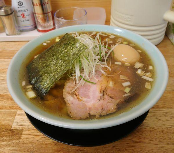 「醤油らー麺 味付玉子 大盛」@麺屋 つるるの写真