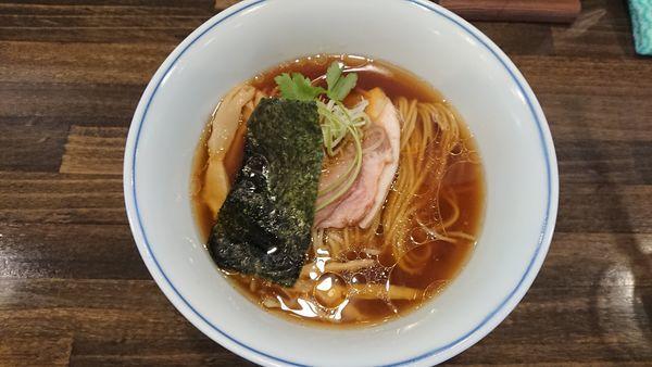 「醤油らぁ麺 750円」@らぁ麺  麦一粒の写真
