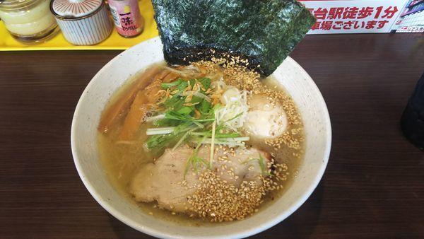 「こく旨えび塩らーめん+味玉 780円」@麺や かがのの写真