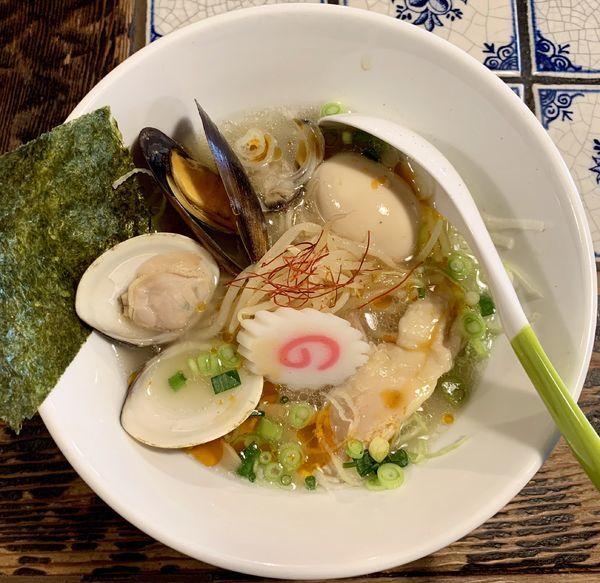 「貝だし塩らぁ麺」@麺処いっ歩の写真