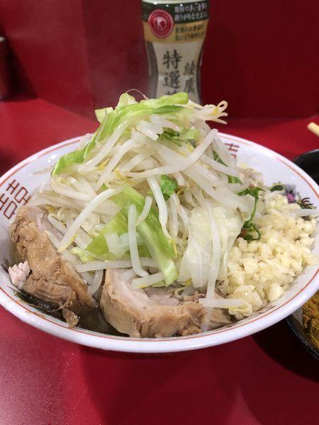 「小(にんにく)+カレー粉+生卵¥850」@ラーメン二郎 札幌店の写真