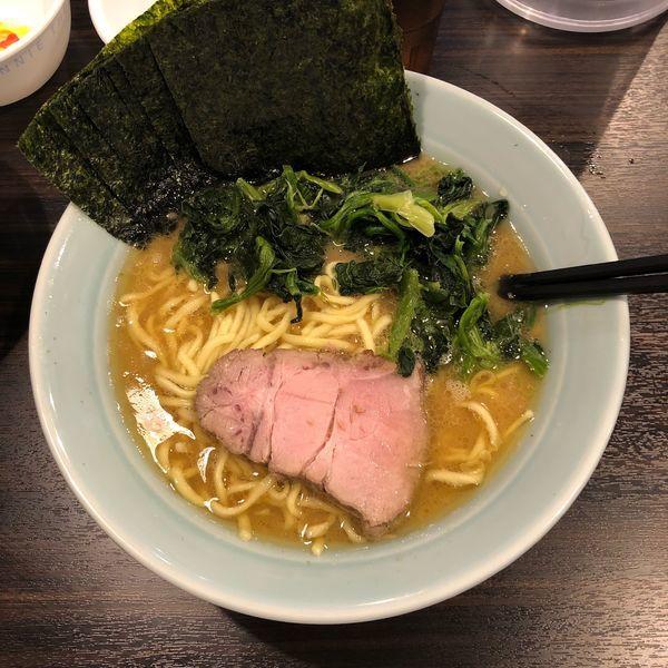 「ラーメン 中 + 青菜 + 海苔増し + ライス」@横浜らーめん 寿三家の写真