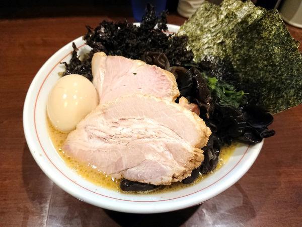 「らーめん(ばら肉)+岩のり+キクラゲ」@らーめん飛粋の写真