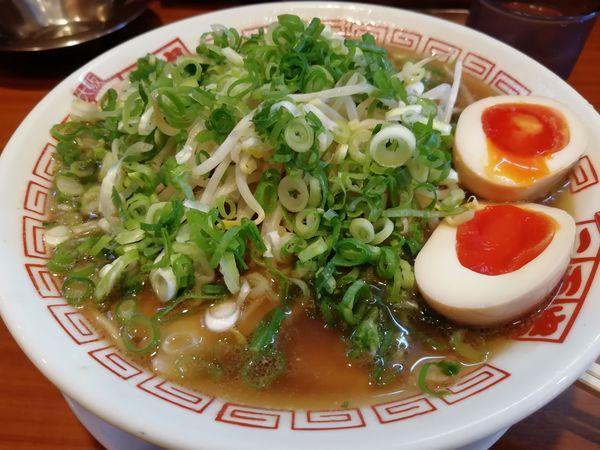 「醤油ラーメン大盛り野菜マシ味玉トッピング」@二両半 鶴橋本店の写真